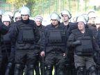 Policjanci ćwiczyli działania w szyku