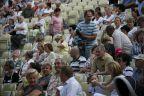 Zbigniew Górny z gośćmi w amfiteatrze